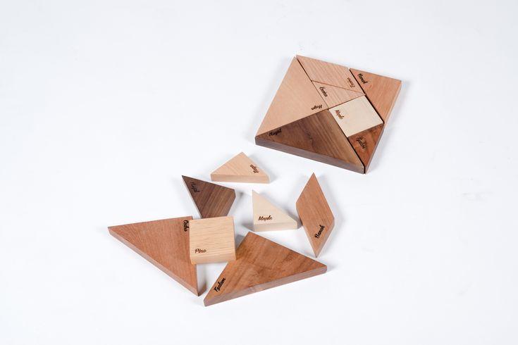 Este juego de origen chino, consiste en armar siluetas de figuras con cada pieza sin solaparlas. Constando de 5 triángulos, un cuadrado y un romboide, este muestrario interactivo logra atender a las dudas de cualquier persona que tenga que escoger entre una variedad de especies de materiales.