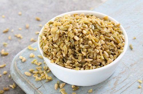 私たちの耳にはまだ新しい食品ですが、フリーカは古くから中東や北アフリカで食べられている栄養満点の穀物です。残念ながらキヌアと違ってグルテンフリーではありませんが、グルテンの量は少なめ、脂肪も少なく、タンパク質や食物繊維は豊富なスーパーフードです。#健康#Food#料理#レシピ#Recipe