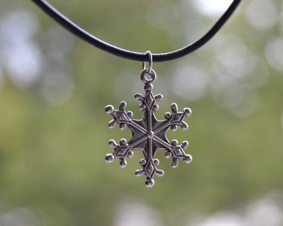 Black Leather Choker Or Necklace With Snowflake Antique Silver Charm. To check for more items in my shop: https://www.etsy.com/shop/GeweldigJewelry  #snowflakechoker #snowflakenecklace #leatherchokercharm #leathercharmnecklace #frozennecklace #snownecklace #etsyshop #blackleathernecklace #silversnowflake