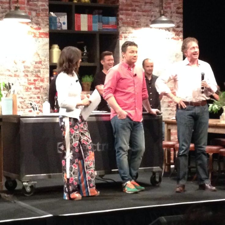 Jamie Oliver with Andrew Muir from The Good Guys discussing Jamie's Ministry of Food Australia! #JamieOliver #JMOF #TheGoodGuys