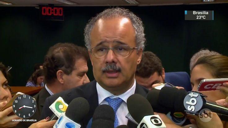 Deputados retiram criminalização do caixa 2 da reforma política - SBT Br...