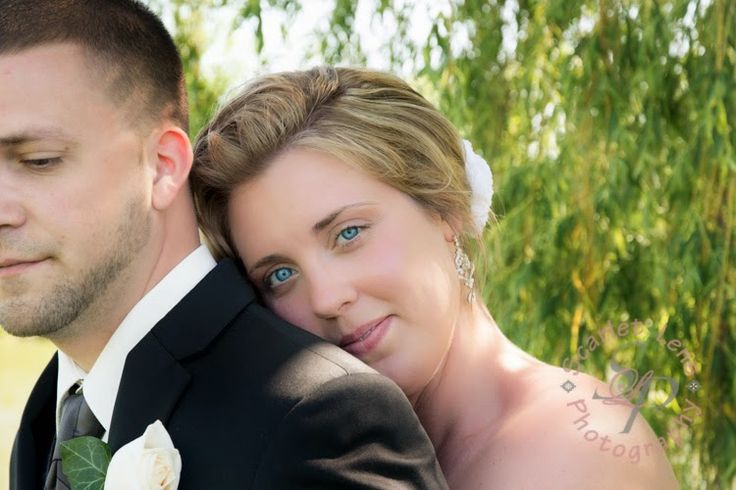 A year in review ~ Scarlet Lens Photography www.scarletlensphotography.com #wedding #couple #romanticcouple
