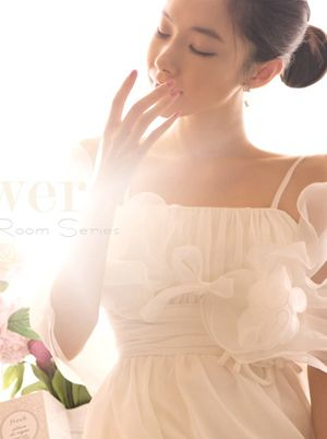 Today's Hot Pick :[パーティードレス]シースルーフリルショール付きキャミソールロングドレス 【Soir】 http://fashionstylep.com/SFSELFAA0006719/sooa1216jp/out 清楚で可憐なイメージのキャミソールロングドレスです。 シースルーフリルショール付きでショルダーラインを上品にカバー♪ ウエストはリボンの付いたギャザー入りでフェミニンな印象。 パーティーウェアや結婚式ドレス用におススメ☆ 差のつくパーティスタイルが叶います! フリーサイズです。 下記の詳細サイズを参考にしてください。 ◆1色: ホワイト