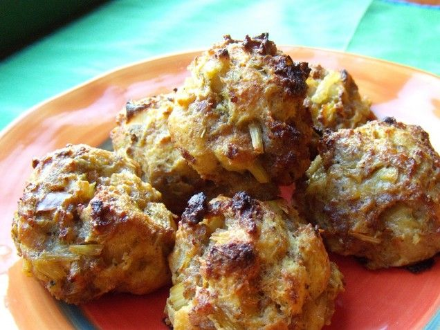 Sausage Stuffing Balls - these are similar to a recipe using Bisquick ...