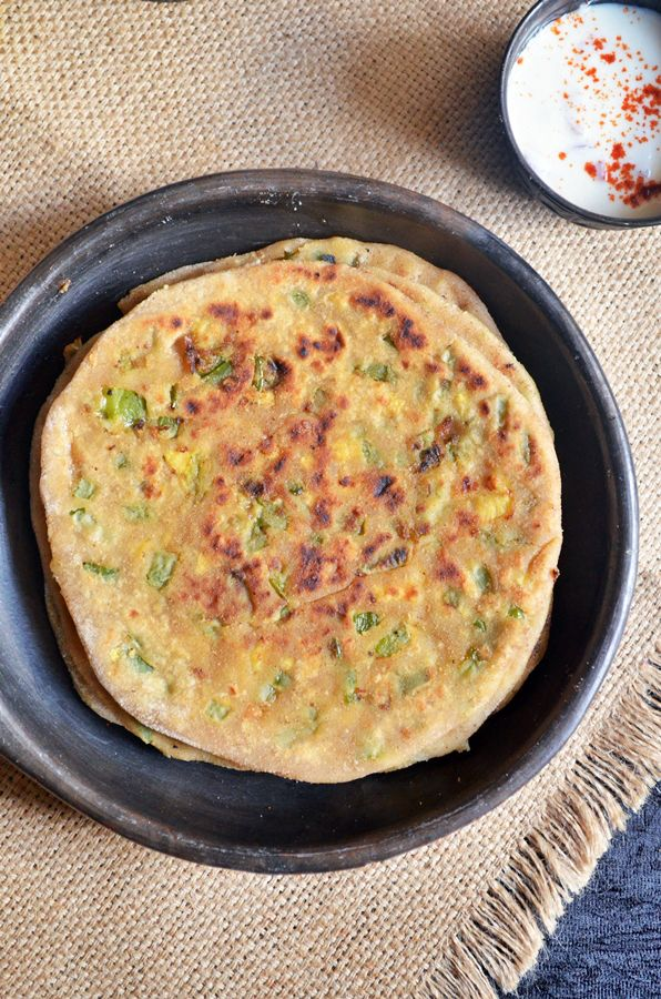 Cheese capsicum paratha: Easy,delicious,filling and wholesome meal for kids and toddlers,paratha with easy and tasty cheese capsicum filling,recipe @ http://cookclickndevour.com/cheese-capsicum-paratha