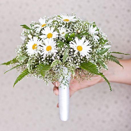 Летний свадебный букет из ромашек