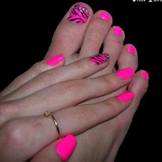 <3Nails Art, Cute Nails, Pink Zebras, Nails Design, Pink Nails, Hot Pink, Zebras Nails, Zebras Prints, Neon Pink