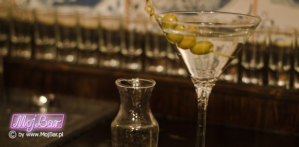 MARTINI W aspekcie psychologicznym, najtrudniejszy koktajl do przygotowania: gin - 60ml, wermut wytrawny - 10ml  Przepisy na drinki znajdziesz na: http://mojbar.pl/przepisy.htm