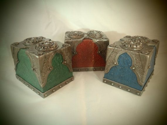 Omg. Waaaant!! It has a working life counter on the top Custom #Steampunk Deck Box for #MTG Sleeved Cards Available in any color. $39.99, via Etsy.