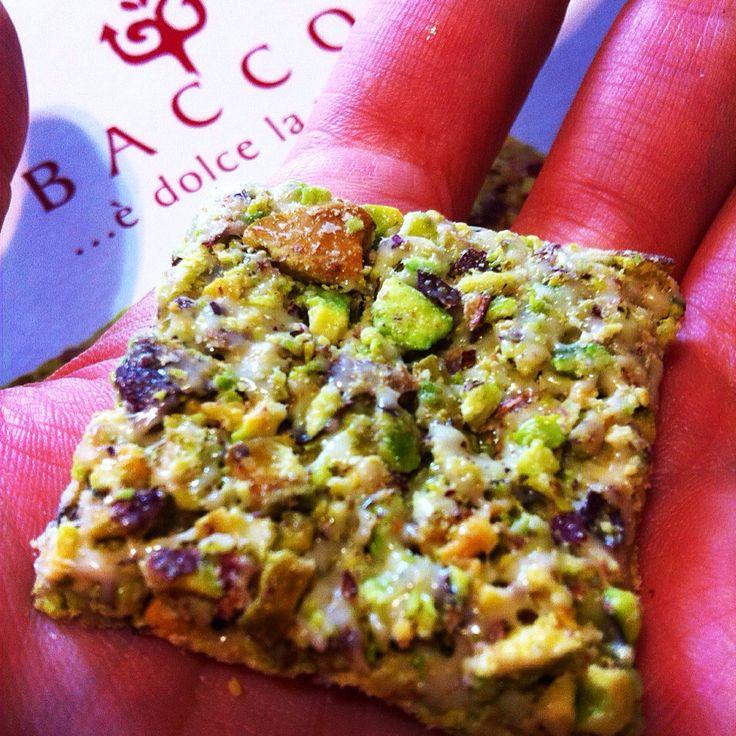 Prossimamente sul nostro sito potrete trovare anche #ricette prodotte in collaborazione con gli amici di @baccopistacchio    Seguiteci su www.ricettelastminute.com  #ricetta #pistacchio #bronte #italy #italia #sicily #sicilia #catania #cena #pictureoftheday #photooftheday #me #bacco