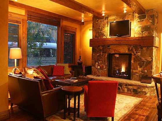 All the properties you see listed on this page are Luxury Ski-In Sli-Out condos for sale in the Deer Valley Area in Park City, Utah.