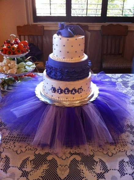 Purple Ballet shoe baby shower cake  I so love this cake!!