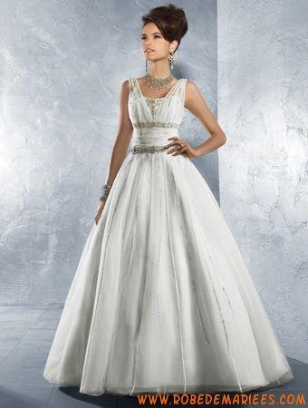 Robe princesse avec bretelle en satin et organdi ornée de perles et de paillettes belle robe de mariée