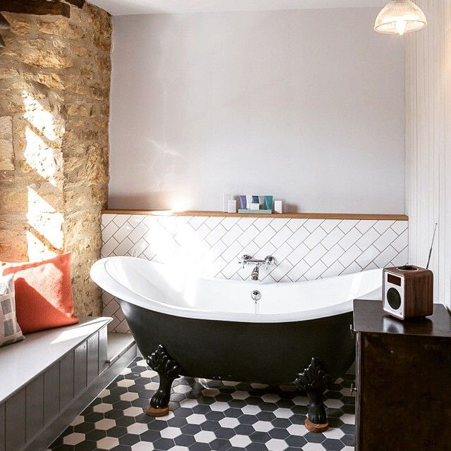 Boutique Cotswolds Hotel: The Old Stocks Inn, Stow