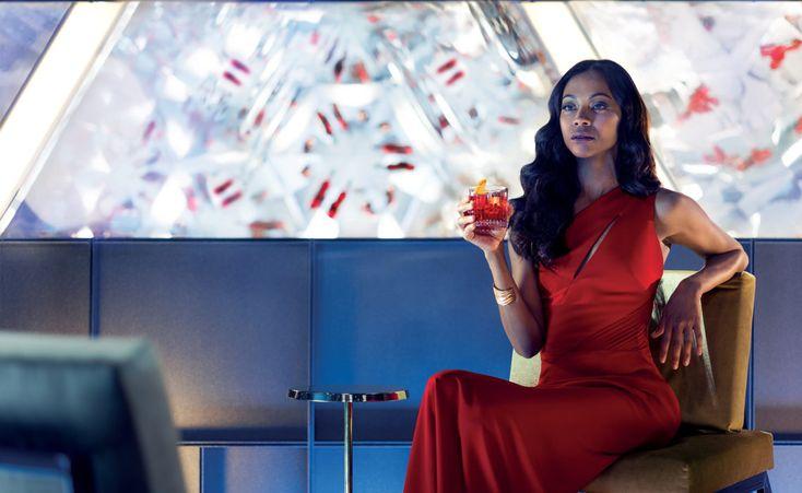 """#Gourmet """"The Legend of the Red Hand"""" by Campari, protagonizada por Zoe Saldana. Deby Beard nos habla sobre esta historia de misterio emocionante e intriga. http://hedone.mx/"""