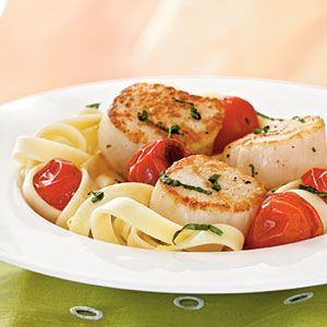 Seared Scallops with Roasted Tomatoes (over linguini) from Cooking Light (April 2009)