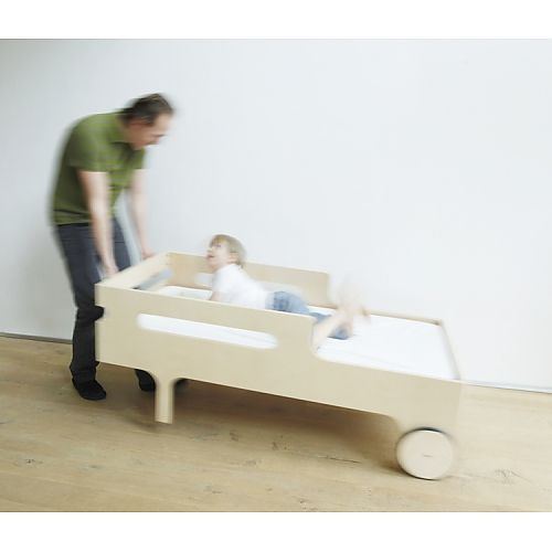 Fun toddler bed to move around
