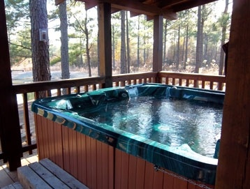 What a relaxing cabin getaway. Heartpine Hollow Cabins offers ten luxury cabins in southeast Oklahoma.