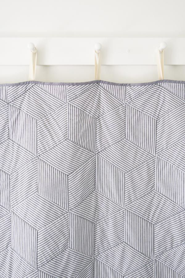 Tumbling Blocks Quilt, free pattern (purl soho) striped-tumbling-blocks-quilt-600-14