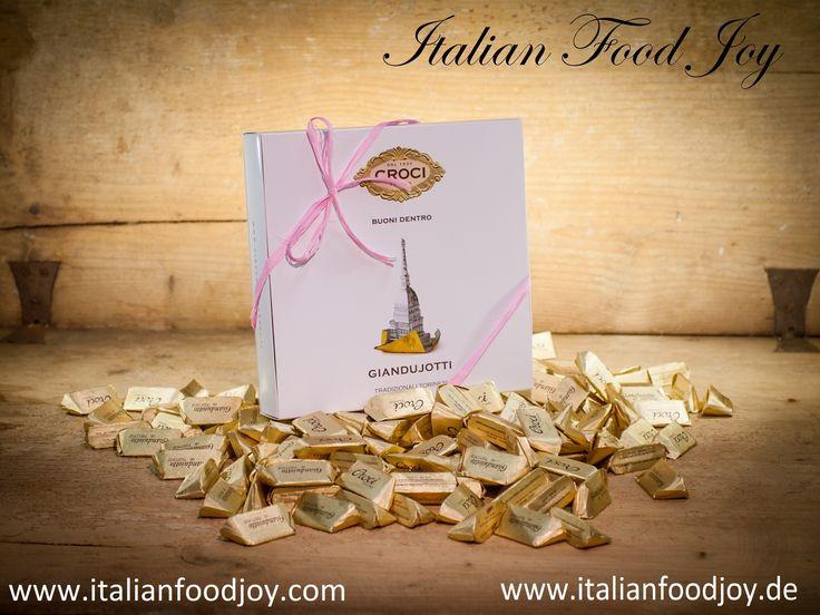Die beste italienische Schokolade. #Gianduiotti, #Schokolade und #Pralinen. Schokolade #weiß, #Milch, #Haselnuss, #bitter, #Schokolade #Wein, #dunkle Schokolade. von #Italian #Food Joy www.italianfoodjoy.de fur D und AT www.italianfoodjpy.com for UE