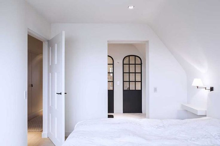 interior-doorway-dpages-b
