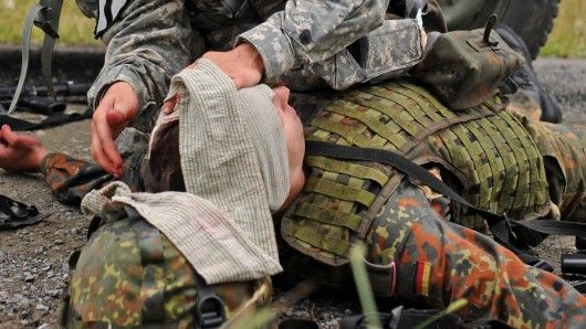A new adhesive gel could keep injured soldiers from losing their vision (Photo: Aiding our…