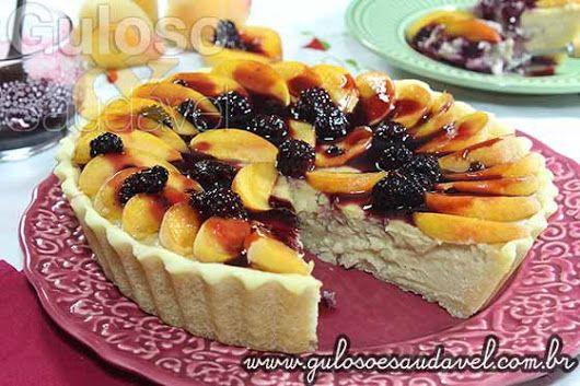 Esta Cheesecake de Pêssego com Coulis de Amora pode ser pensada para o #lanche de hoje ou para o Natal!  #Receita aqui: http://www.gulosoesaudavel.com.br/2014/12/03/cheesecake-pessego-coulis-amora/