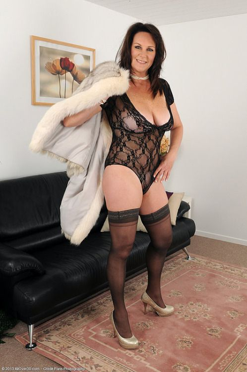 Attractive in pantyhose claudia gorgeous