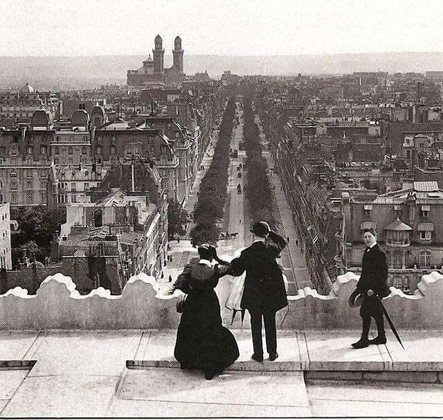 Champs Elysées Paris - 1900