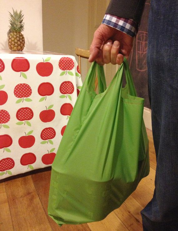 PDF pattern now available on Etsy. Easy reusable grocery bag / shopping bag / tote bag by tessaaviet