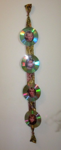 CD Picture Hanger