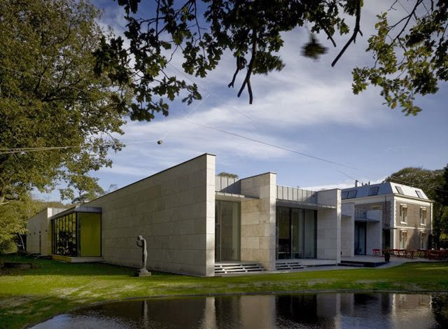 The new museum is a substantial expansion of  an existing villa on one of the best locations in The Netherlands