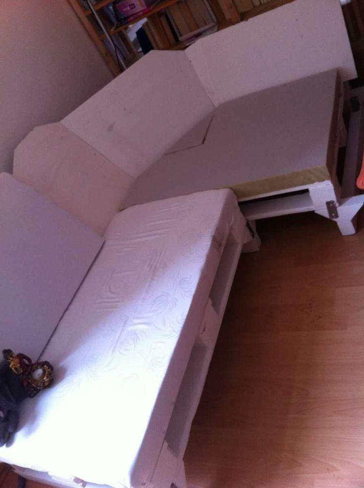 pallet sofa corner upholstering 07 Как своими руками сделать диван из поддонов? %d0%bc%d0%b5%d0%b1%d0%b5%d0%bb%d1%8c poddon palletyi