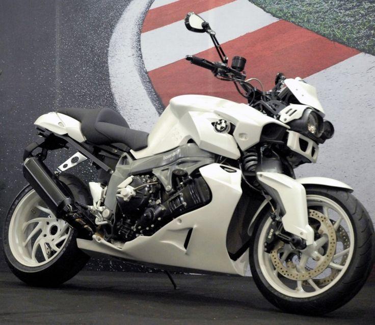 BMW Motorad: BMW K1300R //