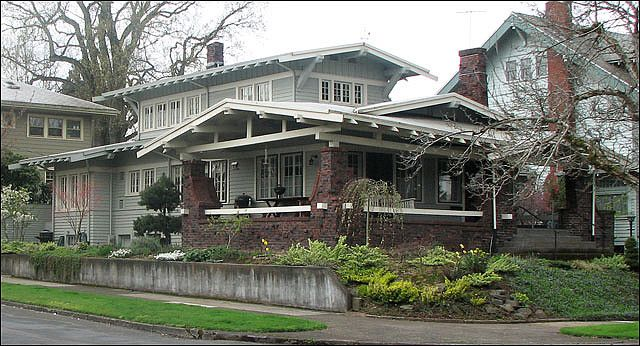 Craftsman airplane bungalow portland oregon arts for Airplane bungalow house plans
