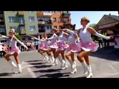 "Mażoretki z Rybnika (Grupa ""ENIGMA"") - Majorettes from Rybnik (Group ""Enigma"") - YouTube"