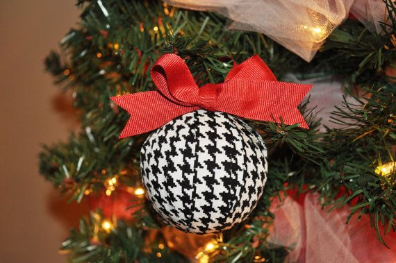 Houndstooth with crimson grosgrain ribbon - #christmas