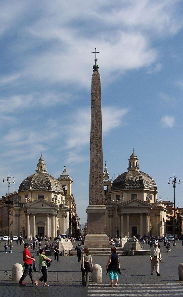 イタリア ローマ ポポロ広場のオベリスクは、エジプトから運ばれてきたもの