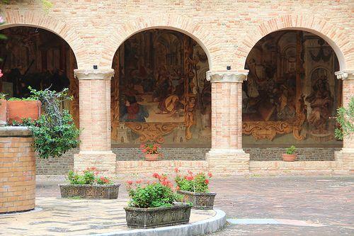 Chiostro basilica S. Nicola da Tolentino