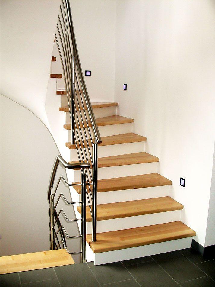 die besten 25 holzstufen ideen auf pinterest deckschritte holzterrassen und terrassen treppe. Black Bedroom Furniture Sets. Home Design Ideas