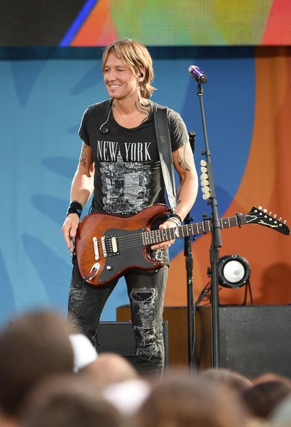 "Keith Urban Photos - Keith Urban performs on ABC's ""Good Morning America"" at…"