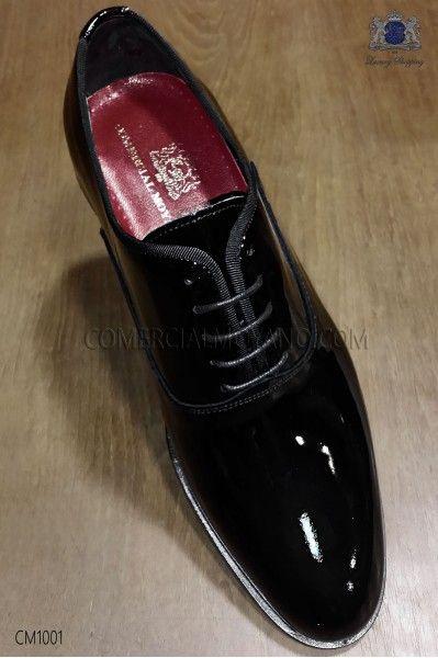 """Zapatos de novio """"francesina"""" cordones charol negro"""