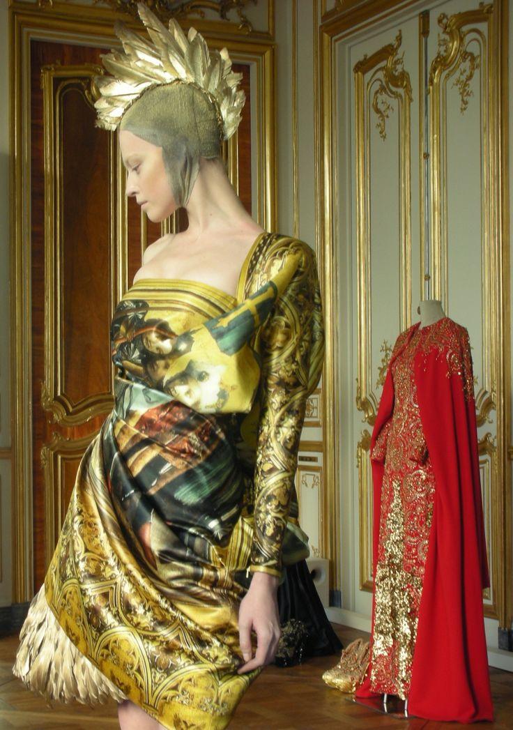 Alexander McQueen: Mc Queen, Mcqueen Experiment, Hail Mcqueen, Trojan Coif, Fashion Art, Mcqueen Fw, Mcqueen F W, Cox Alexander Mcqueen, God Save Mcqueen