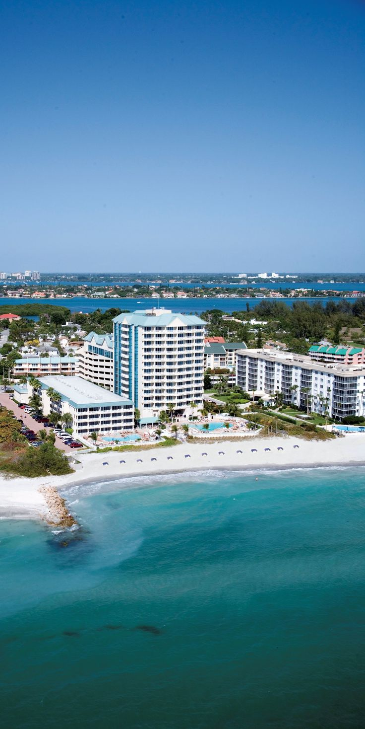 Lido Beach Resort in Sarasota, Florida, USA. Surrounded by the Gulf of Mexico and Sarasota Bay. Featuring beautiful beach weddings. www.lidobeachresort.com