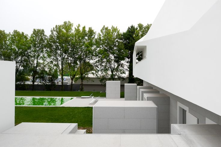 Green Pool of the Fez House / Alvaro Leite Siza Vieira