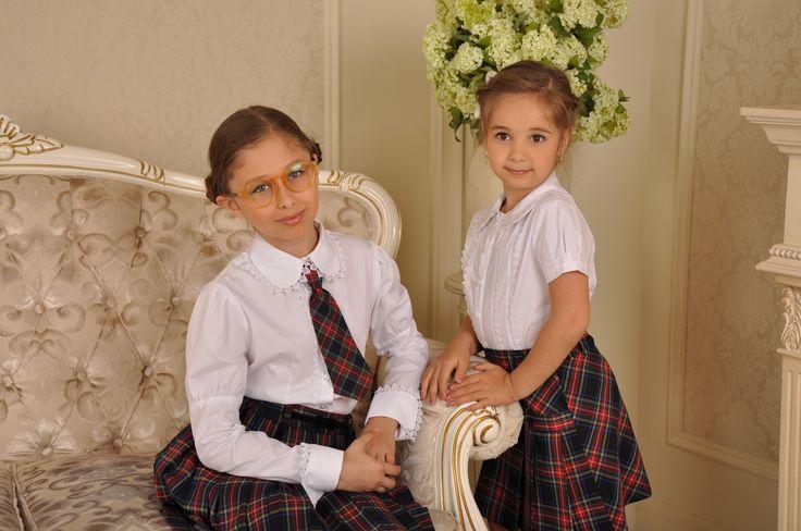 Всегда в школьной моде клетчатые юбки