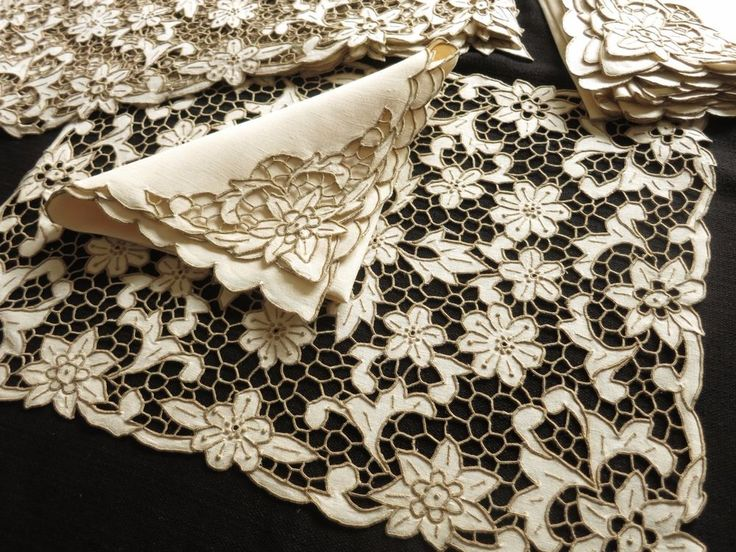 Antique MADEIRA Cutwork RICHELIEU Hand Embroidery 16 pc Placemats Napkins UNUSED