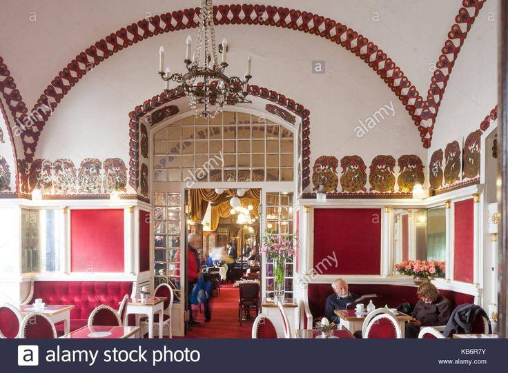 Laden Sie dieses Alamy Stockfoto Innere des Café Noworolski, Innenraum, cafe Haus in den Tuchhallen, Weltkulturerbe der UNESCO, Krakau, Kleinpolen, Polen, Europa - KB6R7Y aus Millionen von hochaufgelösten Stockfotos, Illustrationen und Vektorgrafiken herunter.
