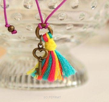 Cancún - fioletowa z kluczykiem i chwostem #key #bracelet #sopeppermint #sopeprmt #tassel
