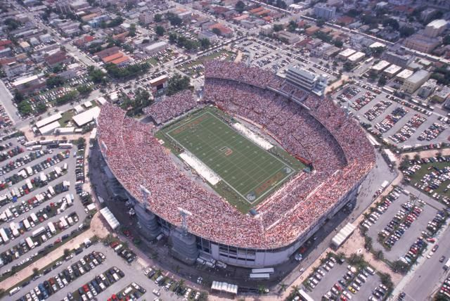 Orange Bowl Stadium, Miami, Florida  http://architecture.about.com/od/stadiumsandarenas/ss/8-Super-Bowls-0-Roofs.htm#step-heading